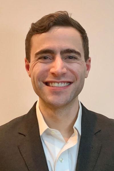 Headshot of Austin Vanaria